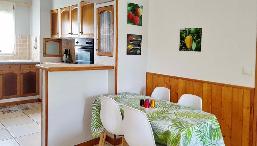 espace cuisine et repas intérieur