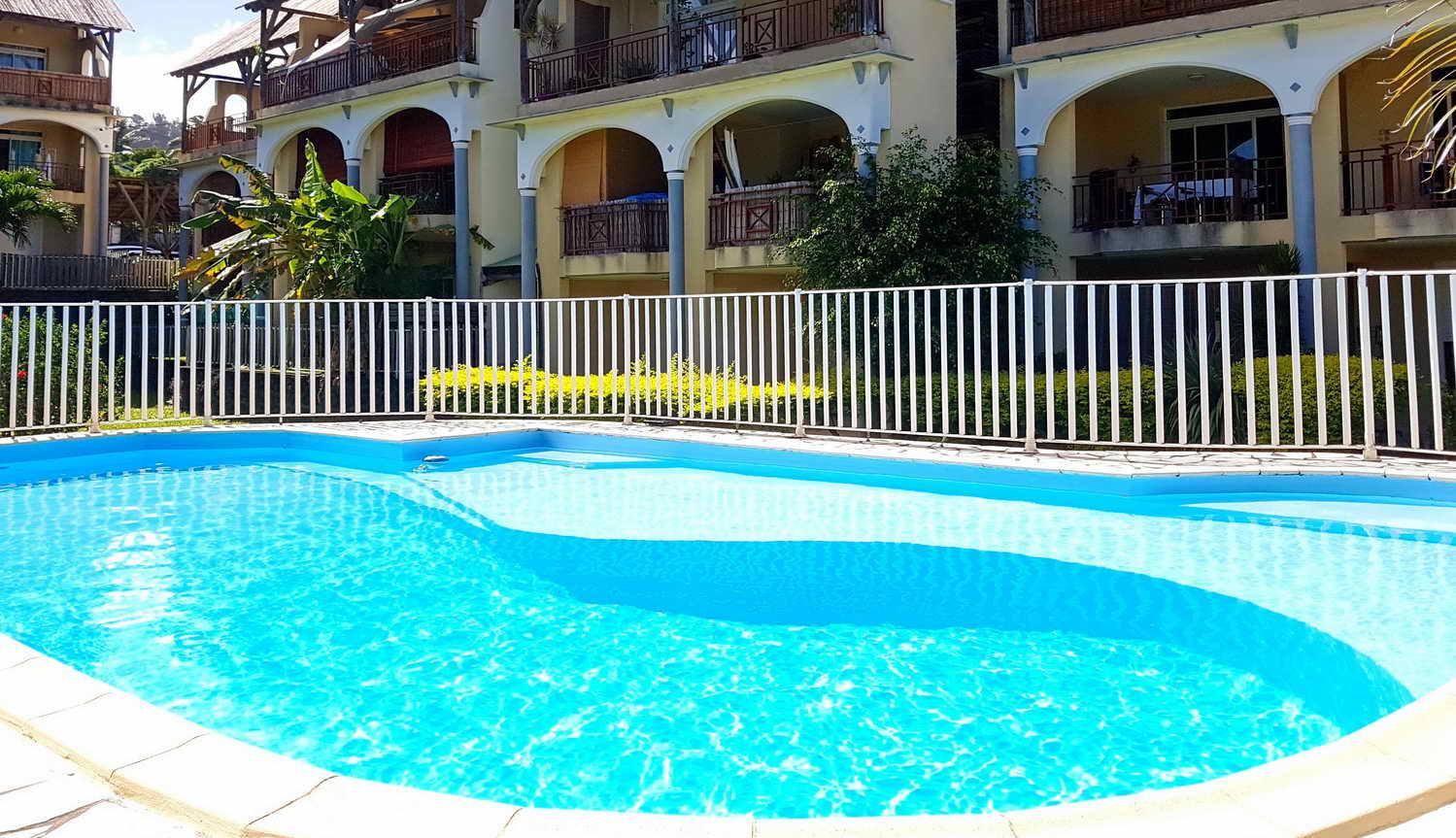 Résidence et sa piscine